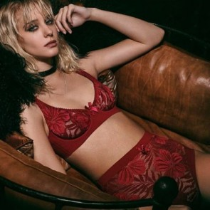 Vintage look and botanical pattern lace for a bold new collection, thank you @agentprovocateur! #sophiehallette #lace #lingerie #agentprovocateur #audreylingerie #newcollection #bold #botanicallace #leaves #flowers #pattern #leaverslace