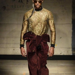 Closing London Fashion Week Men's with this strong Astrid Andersen look! #sophiehallette #lace #leaverslace #menswear #lfw #fashionweek #londonfashionweek #AW1718 #astridandersen #lacemenswear