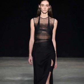 Narciso Rodriguez structures Sophie Hallette tulle for AW 17/18 #sophiehallette #tulle #bobbinettulle #narcisorodriguez #aw1718 #fashionweek #newyork #nyfw #runway #france
