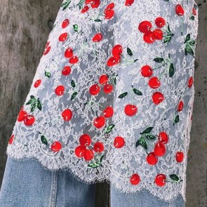 Cherrylicious! Lovely lace skirt by @mimi.wade