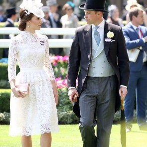 Always sublime in Sophie Hallette lace! For her second Royal Ascot, the Duchess of Cambridge appeared in a summery white Leavers lace dress designed by Alexander McQueen.  #SophieHallette #Lace #Leaverslace #DuchessofCambridge #KateMiddleton #RoyalAscot #AlexanderMcQueen #Royals