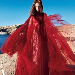 Gorgeous editorial from @voguejapan « Renaissance in Red » featuring model @agnes_akerlund #voguejapan #hautecouturedress #frenchlace #dentelledecalaiscaudry #leaverslace