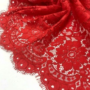 Lace red inspiration! #laceolace.ru allyouneed #allyouneedistrd ##romantic #romanticpattern #fleurs #flowers #lace #dentelle #dentelledecalaiscaudry #madeinfrance
