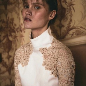 Melancolia by @d_siegenthaler using our lace, a story which featured in @nastymagazine 👏✨ .  #dentelle #lace #dentelledecalais #dentelledecalaiscaudry #sophiehallette #press #potd #madeinfrance
