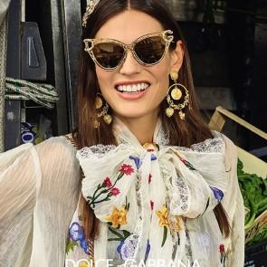 Our lace in the new @dolcegabbana's eyewear campaign 💐 .  #sophiehallette #dentelle #lace #dentelledecalais #dentelledecalaiscaudry #madeinfrance #dentellefrancaise #DGEyewear #DGCampaign #DGSS19 #DGWomen  #DGDevotion #dolcegabbana #potd #italy