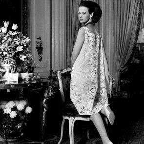 REPOST @voguemagazine  Gloria Vanderbilt (1924-2019) photographed for Vogue – April, 1966 – wearing our sunflower lace 🌻✨ .  #dentelle #dentelledecalais #dentelledecaudry #dentelledecalaiscaudry #Vogue #VogueMagazine #GloriaVanderbilt #lace #lacedress #blackandwhite #dentellefrancaise #madeinfrance #frenchlace #lace #sophiehallette #potd #RiechersMarescot