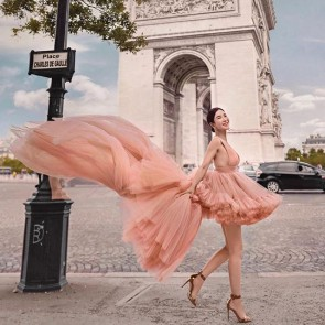 Oh Paris ✨ – our tulle at the Arc de Triomphe by @farah_angsana_world 🌸 .  #tulle #madeinfrance #sophiehallette #custom #dentelle #dentellefrancaise #dentelledecalais #dentelledecaudry #dentelledecalaiscaudry #lace #frenchlace #couture #hautecouture #farahangsana #farahangsanacouture #jamiechua
