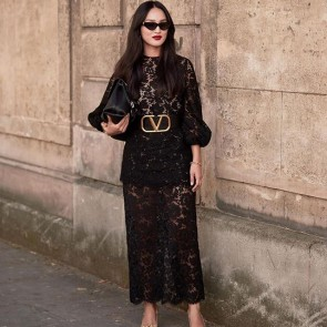 Fashion week ready with @nicolewarne in Maison Valentino with our lace 📸 .  #dentelle #dentelledecalais #dentelledecaudry #dentelledecalaiscaudry #dentellefrancaise #madeinfrance #frenchlace #lace #sophiehallette #valentino #streetstyle #fashionweek #fw #streetstylelook #maisonvalentino #thestylestalker