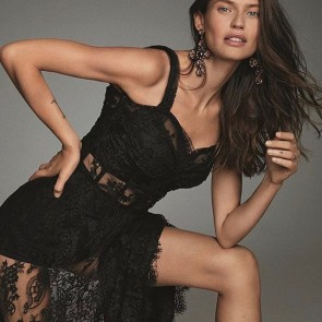 @biancabalti wearing a @dolcegabbana balck lace dress for the cover of @elle_spain 🖤  #sophiehallette #dentelle #dentellefrançaise #dentelledecalais #dentelledecaudry #dentelledecalaiscaudry #lace #frenchlace #blackdress #biancabalti #DG #DGWomen