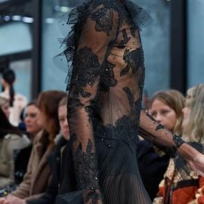@maisonvalentino fashion show fall-winter 20-21 using our tulles for some of their evening dresses 💃🏻🌸 #sophiehallette #dentelle #dentellefrançaise #originalbobbinet #tulle #madeinfrance #fashionshow #maisonvalentino