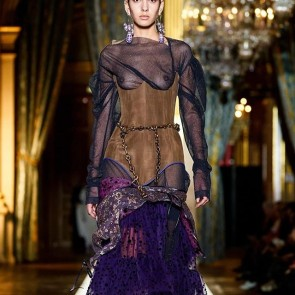 @viviennewestwood using our tulle and lace for their fashion show collection fall-winter 20-21 🌸  #sophiehallette #dentelle #dentellefrançaise #dentelledecalais #dentelledecaudry #dentelledecalaiscaudry #tulle #fashionshow #madeinfrance #dress #viviennewestwood