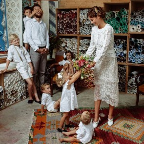 Have a peaceful week with your family… @maisonconstancefournier #sophiehallette #dentelledecalaiscaudy #dentelleleavers #madeinfrance #lace #embroideredlace #family #children